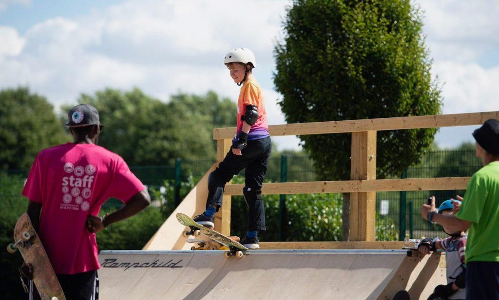 Skateboarding_child