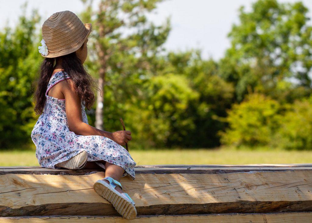 child-in-sun-hat