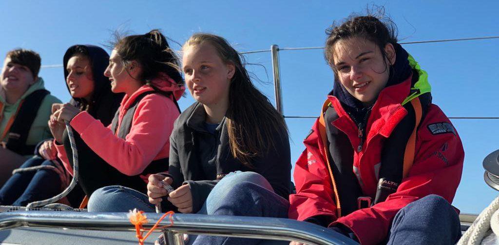 Tall-Ships-Magnus-school-children