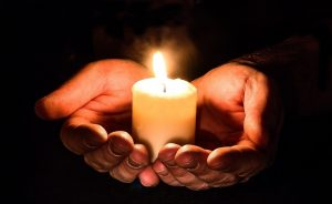light a candle Tommys